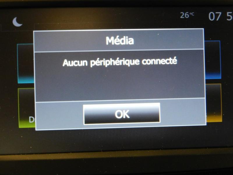 Photo 22 de l'offre de RENAULT Captur 1.3 TCe 130ch FAP Intens à 15990€ chez Autovia Véhicules Multimarques