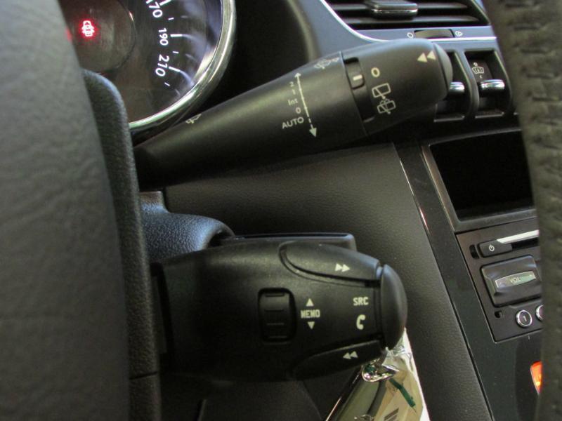 Photo 17 de l'offre de PEUGEOT 3008 1.6 BlueHDi 120ch Allure S&S à 14290€ chez Autovia Véhicules Multimarques