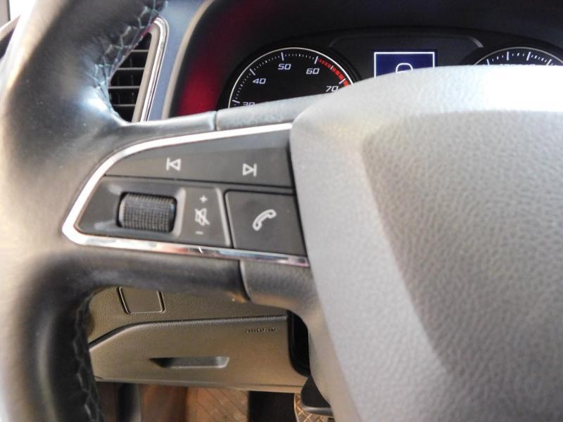 Photo 17 de l'offre de SEAT Leon 1.2 TSI 110ch Connect Start&Stop à 12990€ chez Autovia Véhicules Multimarques