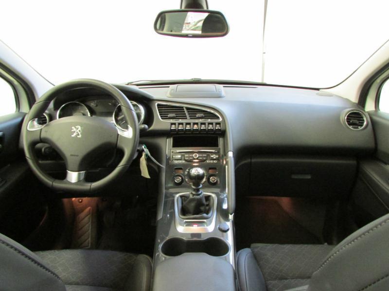 Photo 2 de l'offre de PEUGEOT 3008 1.6 BlueHDi 120ch Allure S&S à 14290€ chez Autovia Véhicules Multimarques