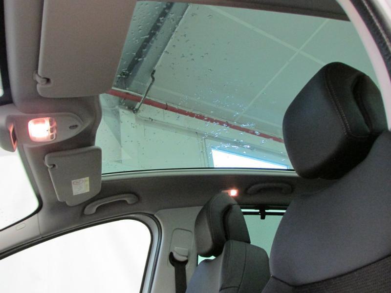 Photo 13 de l'offre de PEUGEOT 3008 1.6 BlueHDi 120ch Allure S&S à 14290€ chez Autovia Véhicules Multimarques