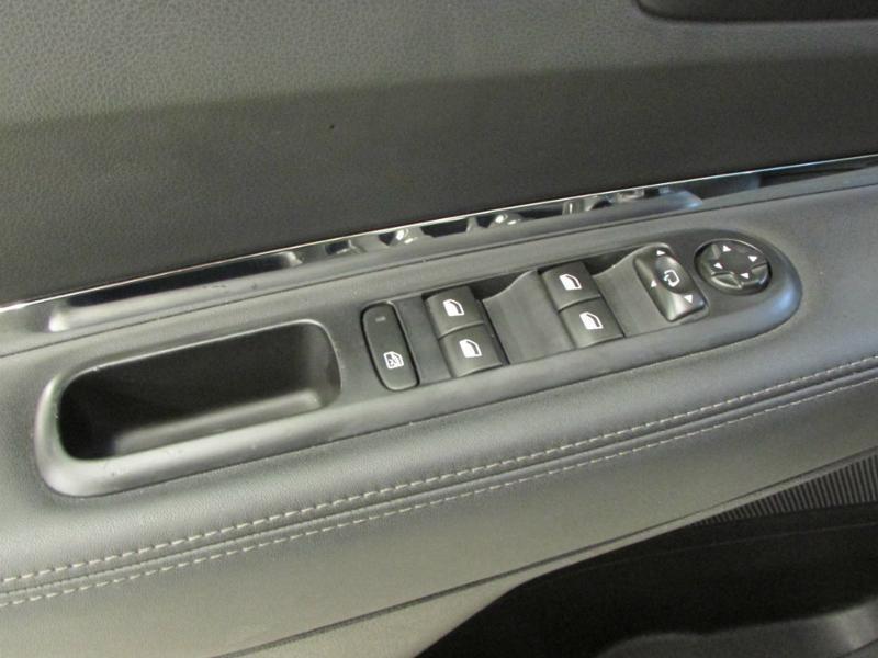 Photo 14 de l'offre de PEUGEOT 3008 1.6 BlueHDi 120ch Allure S&S à 14290€ chez Autovia Véhicules Multimarques