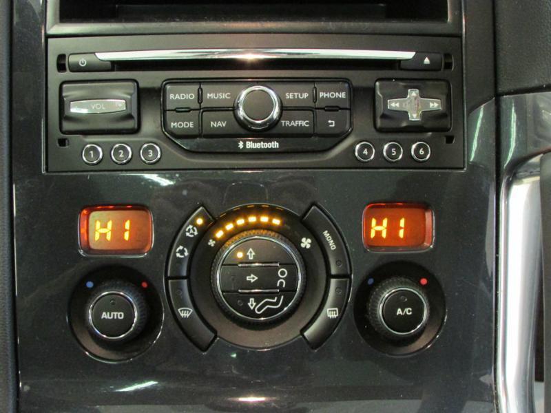 Photo 18 de l'offre de PEUGEOT 3008 1.6 BlueHDi 120ch Allure S&S à 14290€ chez Autovia Véhicules Multimarques
