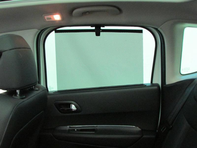 Photo 11 de l'offre de PEUGEOT 3008 1.6 BlueHDi 120ch Allure S&S à 14290€ chez Autovia Véhicules Multimarques