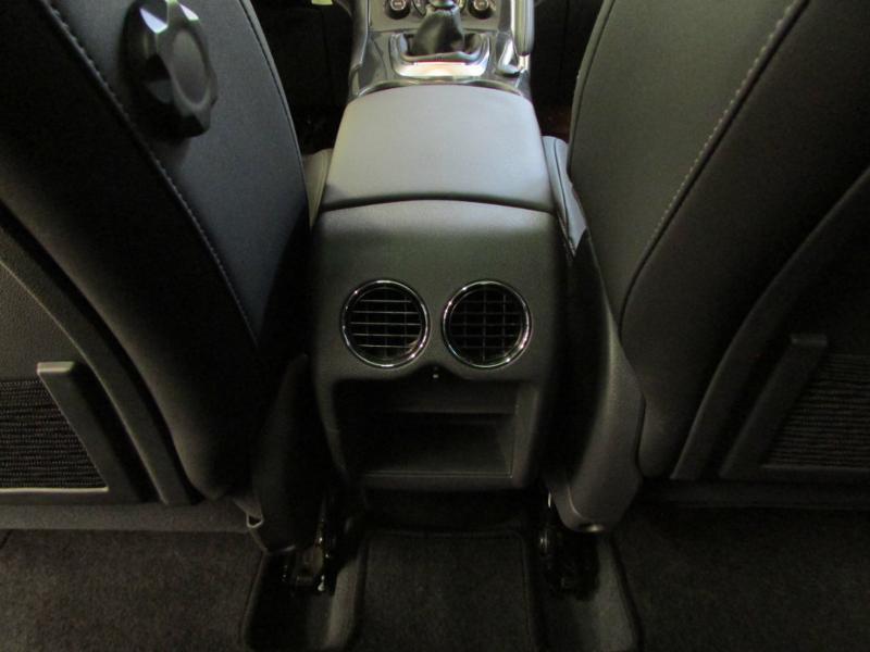 Photo 10 de l'offre de PEUGEOT 3008 1.6 BlueHDi 120ch Allure S&S à 14290€ chez Autovia Véhicules Multimarques