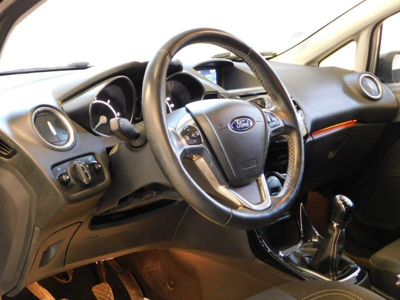 Photo 8 de l'offre de FORD Fiesta 1.5 TDCi 95ch FAP Titanium 5p à 9890€ chez Autovia Véhicules Multimarques