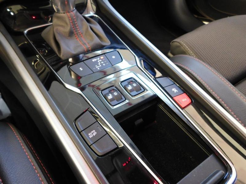 Photo 24 de l'offre de PEUGEOT 508 2.0 BlueHDi 180ch FAP GT EAT6 à 19890€ chez Autovia Véhicules Multimarques