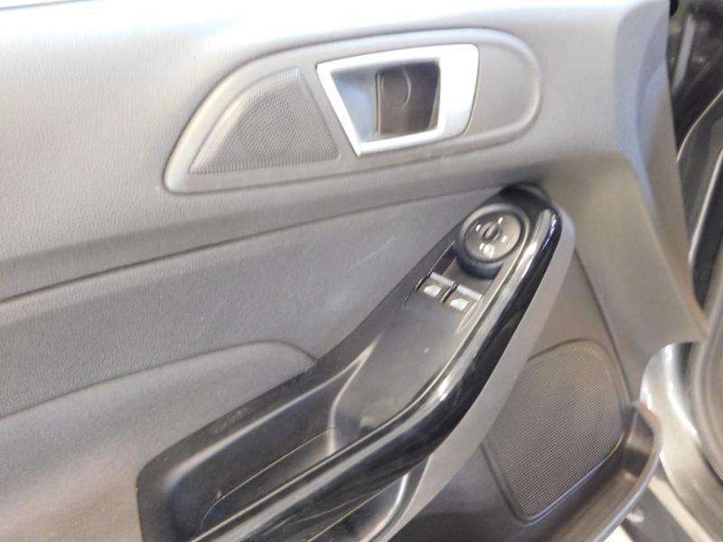 Photo 11 de l'offre de FORD Fiesta 1.5 TDCi 95ch FAP Titanium 5p à 9890€ chez Autovia Véhicules Multimarques