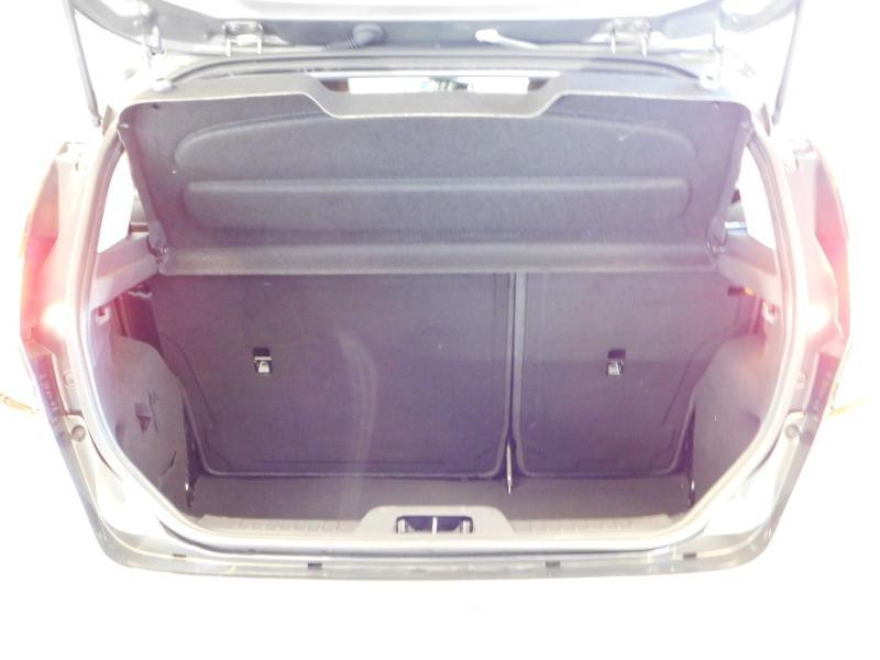 Photo 4 de l'offre de FORD Fiesta 1.5 TDCi 95ch FAP Titanium 5p à 9890€ chez Autovia Véhicules Multimarques