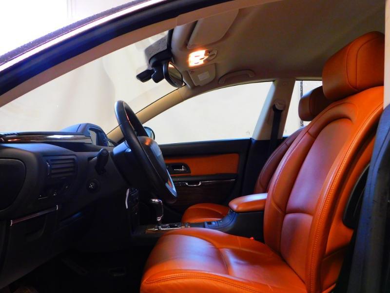 Photo 24 de l'offre de CITROEN C6 2.7 V6 HDi Exclusive FAP à 16990€ chez Autovia Véhicules Multimarques