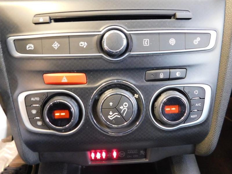 Photo 10 de l'offre de DS DS 4 BlueHDi 120ch Executive S&S à 16990€ chez Autovia Véhicules Multimarques