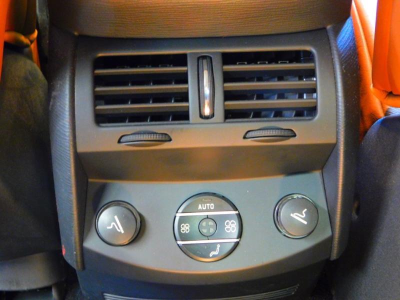 Photo 26 de l'offre de CITROEN C6 2.7 V6 HDi Exclusive FAP à 16990€ chez Autovia Véhicules Multimarques
