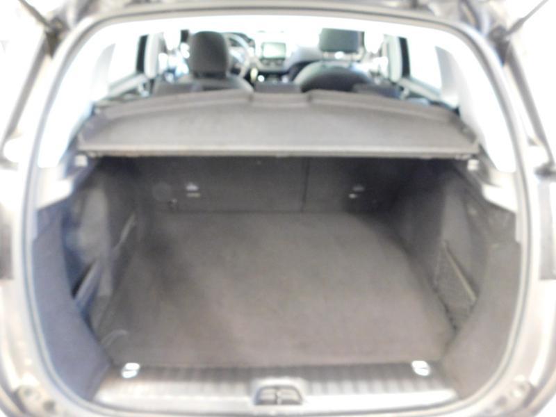 Photo 5 de l'offre de PEUGEOT 2008 1.5 BlueHDi 100ch E6.c Crossway à 16990€ chez Autovia Véhicules Multimarques