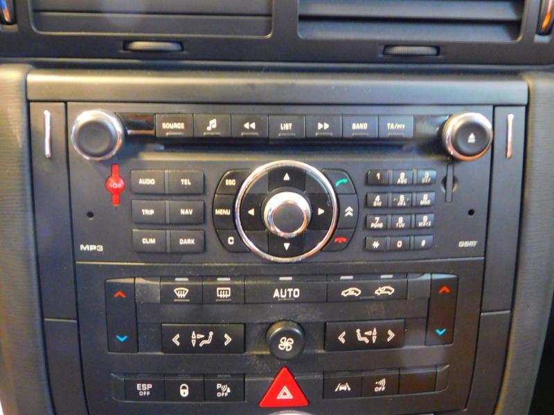 Photo 13 de l'offre de CITROEN C6 2.7 V6 HDi Exclusive FAP à 16990€ chez Autovia Véhicules Multimarques