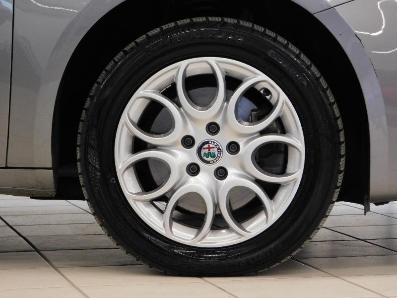 Photo 5 de l'offre de ALFA ROMEO Giulietta 2.0 JTDm 150ch Business Stop&Start à 16490€ chez Autovia Véhicules Multimarques