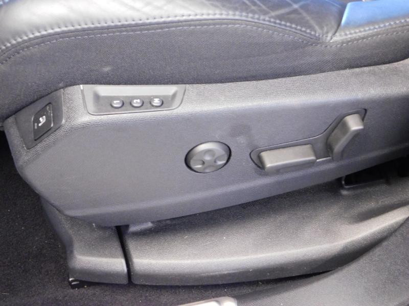 Photo 11 de l'offre de PEUGEOT 3008 2.0 BlueHDi 180ch GT S&S EAT6 à 24990€ chez Autovia Véhicules Multimarques