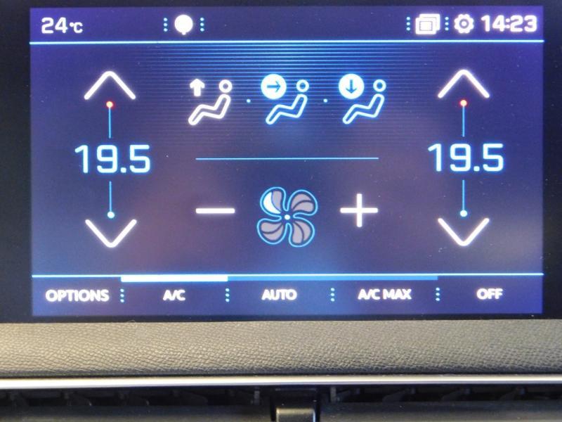 Photo 23 de l'offre de PEUGEOT 3008 2.0 BlueHDi 180ch GT S&S EAT6 à 24990€ chez Autovia Véhicules Multimarques