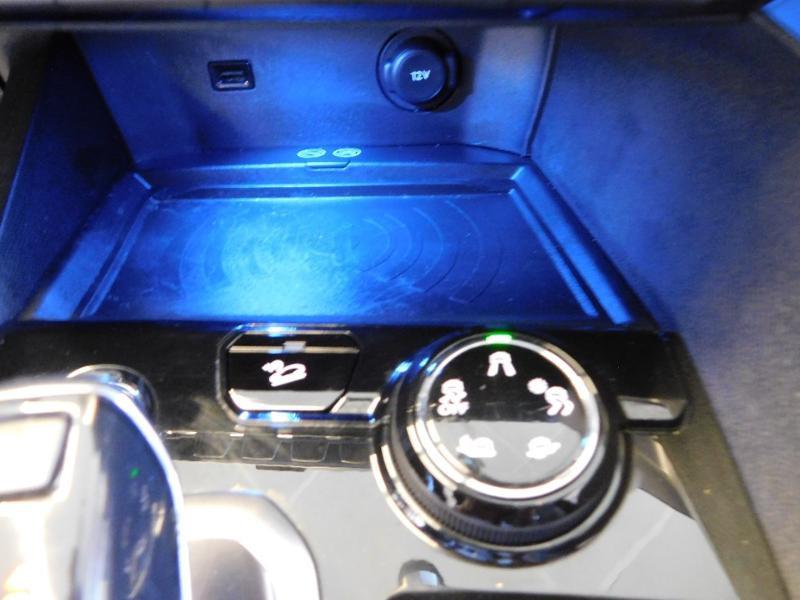 Photo 9 de l'offre de PEUGEOT 3008 2.0 BlueHDi 180ch GT S&S EAT6 à 24990€ chez Autovia Véhicules Multimarques
