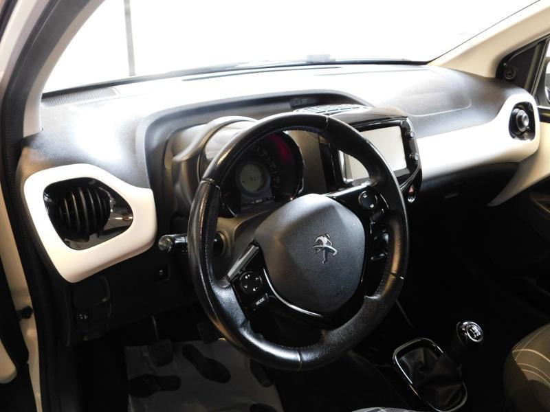 Photo 8 de l'offre de PEUGEOT 108 1.0 VTi Style 3p à 8290€ chez Autovia Véhicules Multimarques