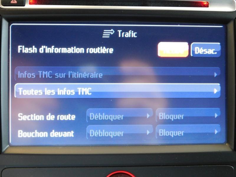 Photo 19 de l'offre de FORD Mondeo 2.0 TDCi 140ch FAP ECO Business Nav PowerShift 5p à 9990€ chez Autovia Véhicules Multimarques