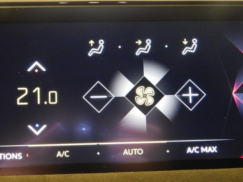 Photo 20 de l'offre de DS DS 3 Crossback PureTech 130ch Performance Line Automatique à 28990€ chez Autovia Véhicules Multimarques