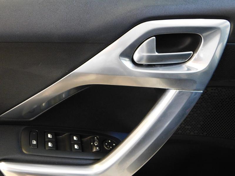 Photo 25 de l'offre de PEUGEOT 2008 1.2 PureTech 110ch Crossway S&S EAT6 à 17490€ chez Autovia Véhicules Multimarques