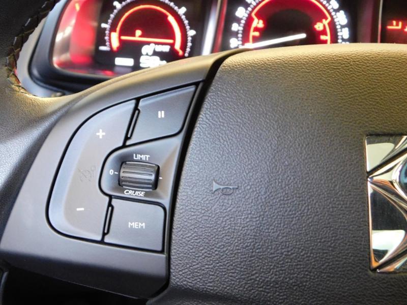 Photo 15 de l'offre de CITROEN DS5 2.0 BlueHDi180 So Chic S&S EAT6 à 14990€ chez Autovia Véhicules Multimarques