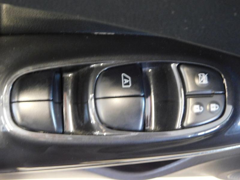 Photo 11 de l'offre de NISSAN Juke 1.5 dCi 110ch N-Connecta 2018 Euro6c à 14990€ chez Autovia Véhicules Multimarques