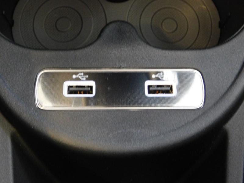 Photo 20 de l'offre de FIAT 500C 1.0 70ch BSG S&S Sport à 17690€ chez Autovia Véhicules Multimarques
