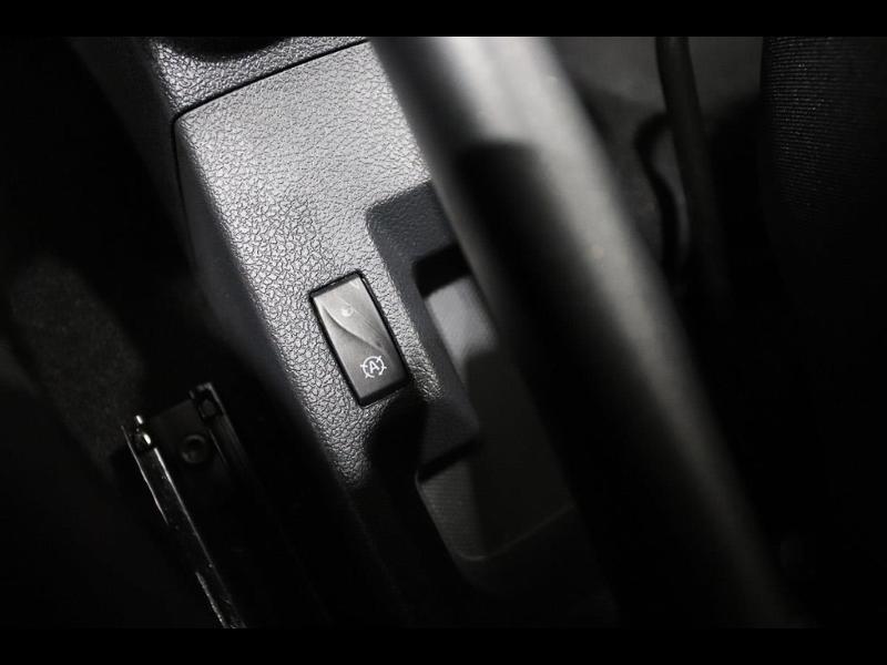 Photo 16 de l'offre de DACIA Sandero 0.9 TCe 90ch Stepway à 10990€ chez Autovia Véhicules Multimarques