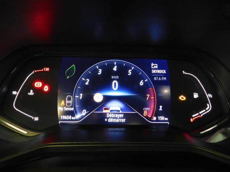 Photo 22 de l'offre de RENAULT Clio 1.0 TCe 100ch Intens à 16490€ chez Autovia Véhicules Multimarques