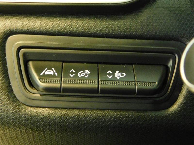 Photo 17 de l'offre de RENAULT Clio 1.0 TCe 100ch Intens à 16490€ chez Autovia Véhicules Multimarques