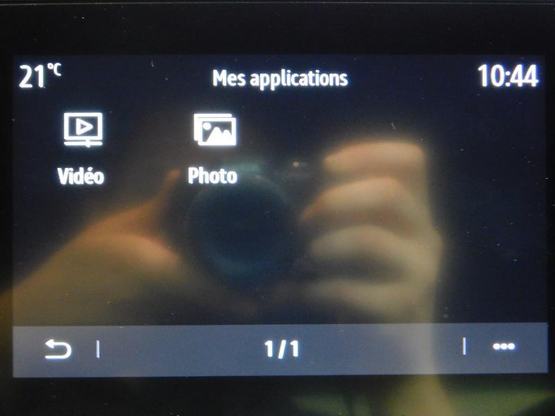 Photo 27 de l'offre de RENAULT Clio 1.0 TCe 100ch Intens à 16490€ chez Autovia Véhicules Multimarques