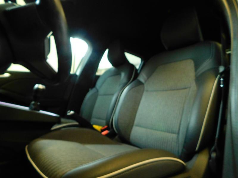 Photo 14 de l'offre de RENAULT Clio 1.0 TCe 100ch Intens à 16490€ chez Autovia Véhicules Multimarques