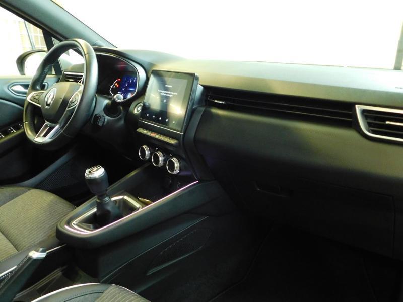 Photo 13 de l'offre de RENAULT Clio 1.0 TCe 100ch Intens à 16490€ chez Autovia Véhicules Multimarques