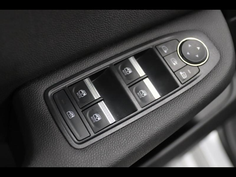Photo 6 de l'offre de RENAULT Clio 1.0 TCe 100ch Intens à 16490€ chez Autovia Véhicules Multimarques