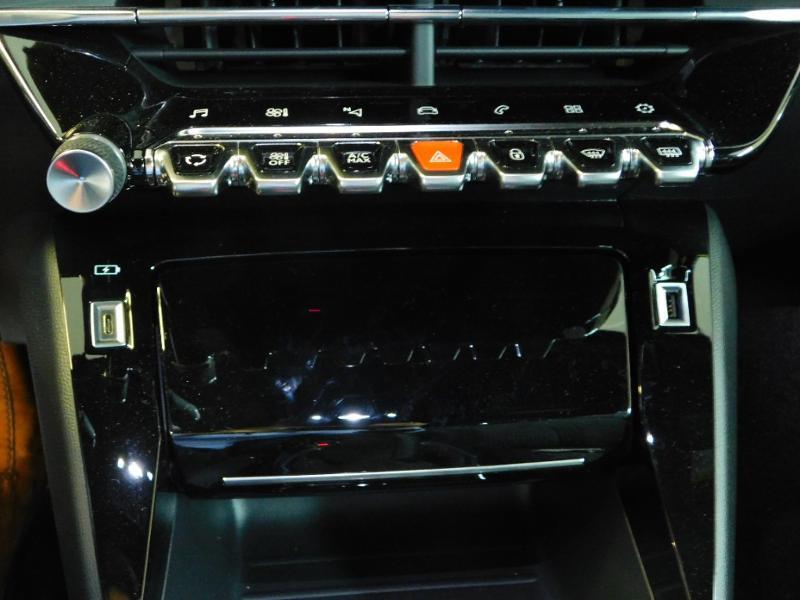Photo 17 de l'offre de PEUGEOT 2008 1.5 BlueHDi 100ch S&S GT Line à 29390€ chez Autovia Véhicules Multimarques