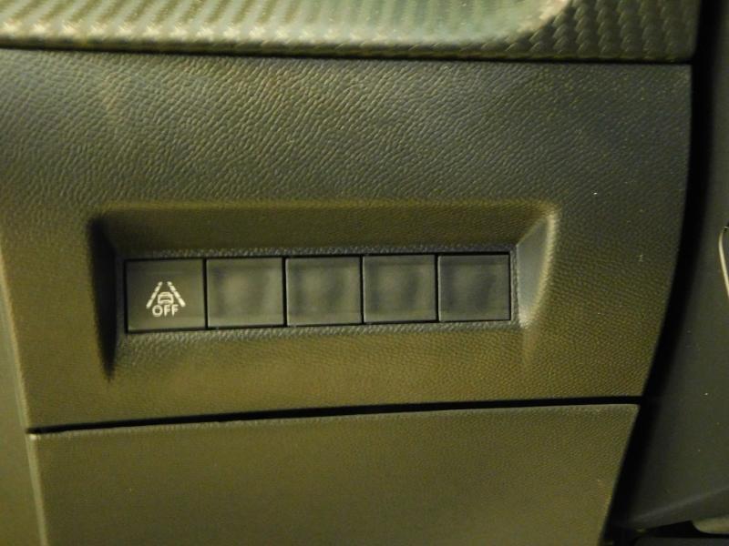 Photo 25 de l'offre de PEUGEOT 2008 1.5 BlueHDi 100ch S&S GT Line à 29390€ chez Autovia Véhicules Multimarques