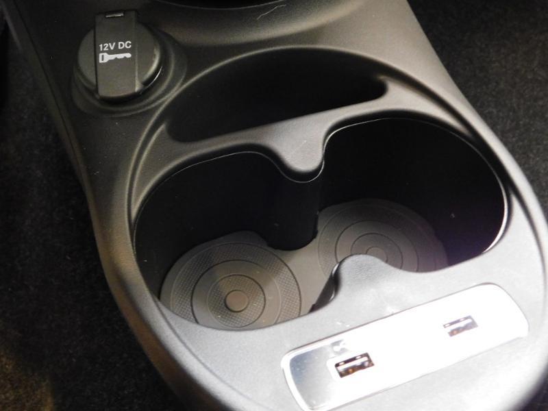 Photo 16 de l'offre de FIAT 500C 1.0 70ch BSG S&S Lounge à 16990€ chez Autovia Véhicules Multimarques