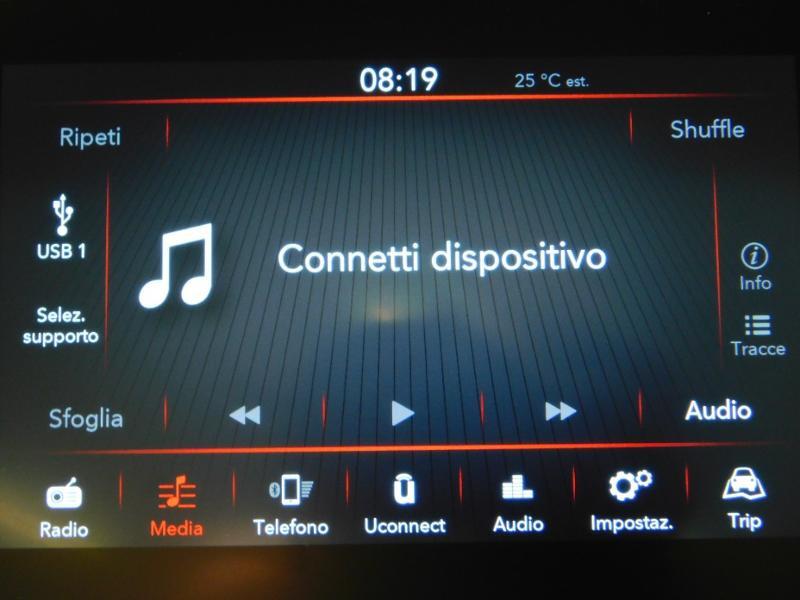 Photo 14 de l'offre de FIAT 500C 1.0 70ch BSG S&S Sport à 17690€ chez Autovia Véhicules Multimarques