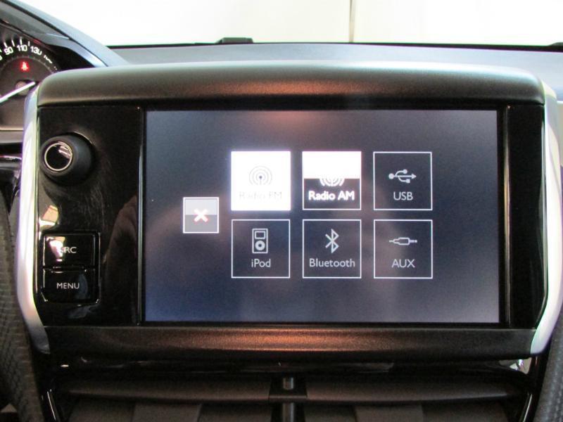 Photo 16 de l'offre de PEUGEOT 2008 1.6 BlueHDi 100ch Active Business S&S à 10490€ chez Autovia Véhicules Multimarques