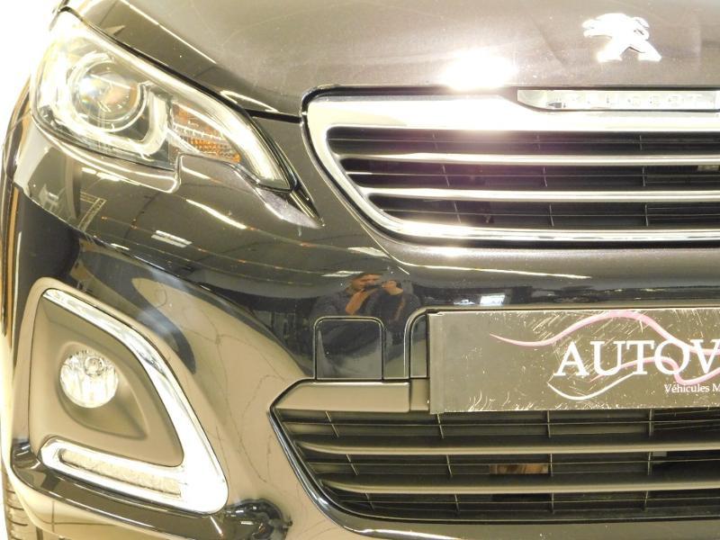 Photo 5 de l'offre de PEUGEOT 108 VTi 72 Allure S&S 85g 5p à 12990€ chez Autovia Véhicules Multimarques