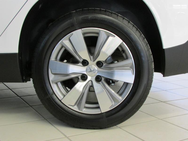 Photo 5 de l'offre de PEUGEOT 2008 1.6 BlueHDi 100ch Active Business S&S à 10490€ chez Autovia Véhicules Multimarques