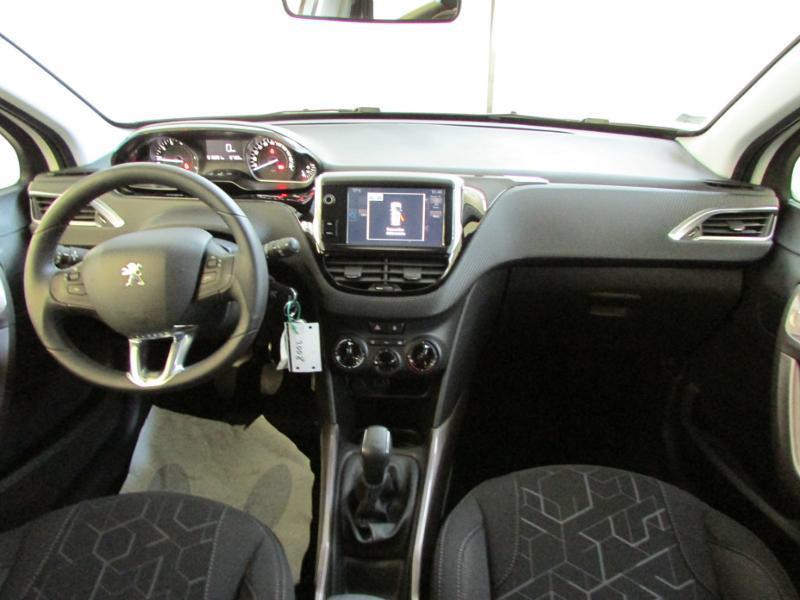 Photo 2 de l'offre de PEUGEOT 2008 1.6 BlueHDi 100ch Active Business S&S à 10490€ chez Autovia Véhicules Multimarques