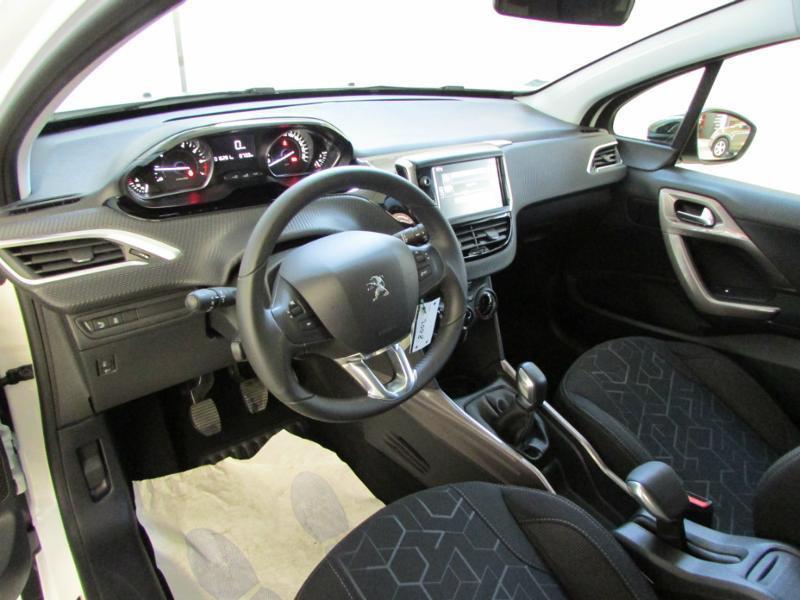 Photo 6 de l'offre de PEUGEOT 2008 1.6 BlueHDi 100ch Active Business S&S à 10490€ chez Autovia Véhicules Multimarques