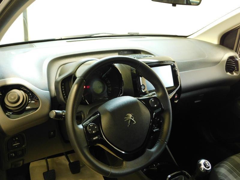 Photo 6 de l'offre de PEUGEOT 108 VTi 72 Allure S&S 85g 5p à 12990€ chez Autovia Véhicules Multimarques