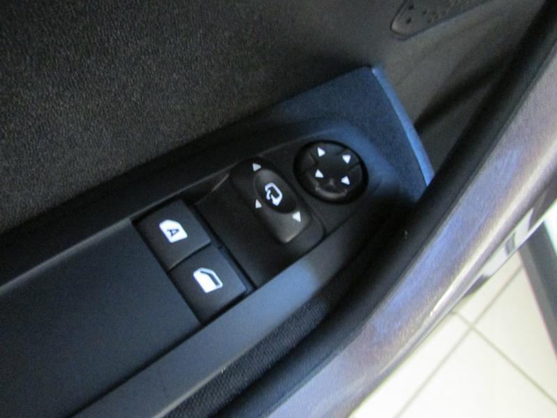 Photo 8 de l'offre de PEUGEOT 2008 1.6 BlueHDi 100ch Active Business S&S à 10490€ chez Autovia Véhicules Multimarques