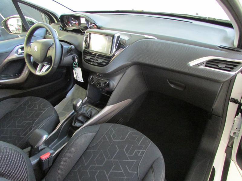 Photo 7 de l'offre de PEUGEOT 2008 1.6 BlueHDi 100ch Active Business S&S à 10490€ chez Autovia Véhicules Multimarques