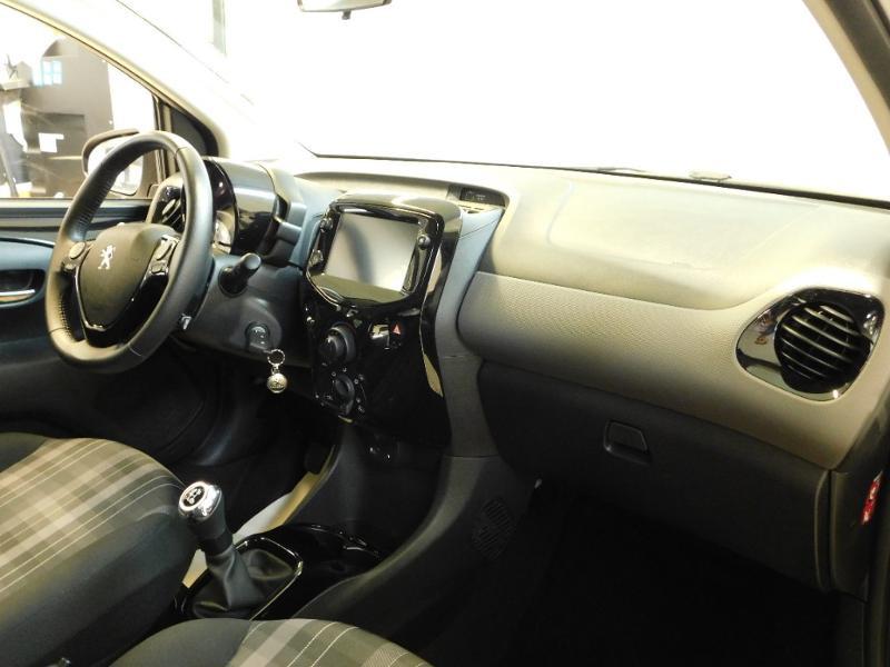 Photo 7 de l'offre de PEUGEOT 108 VTi 72 Allure S&S 85g 5p à 12990€ chez Autovia Véhicules Multimarques