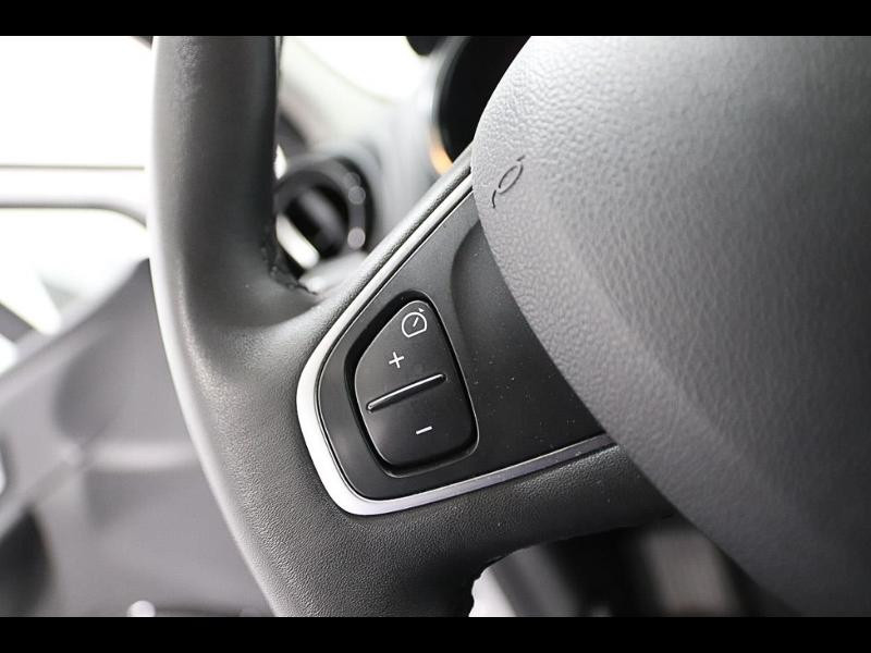 Photo 16 de l'offre de RENAULT Clio 1.5 dCi 90ch energy Zen 82g 5p à 12990€ chez Autovia Véhicules Multimarques